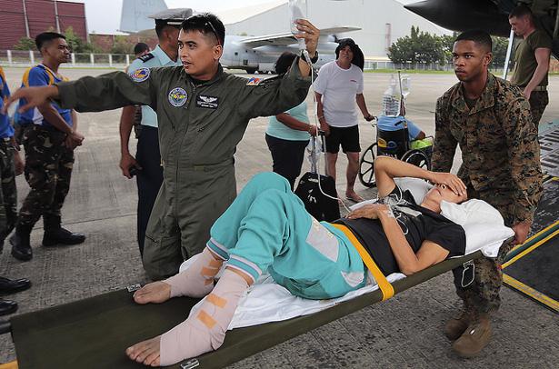 USMC-Haiyan-relief