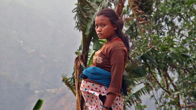 Scaling-Mountain_girl