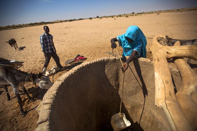 Darfur_well